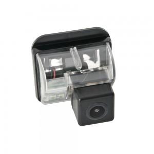 Штатная камера заднего вида SWAT VDC-020 для Mazda