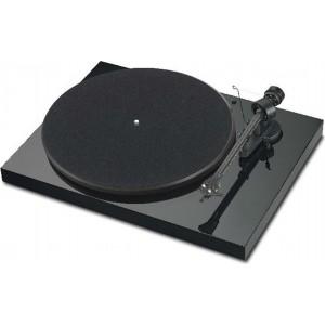 Проигрыватель виниловых дисков PRO-JECT DEBUT CARBON DC (ORTOFON OM10)